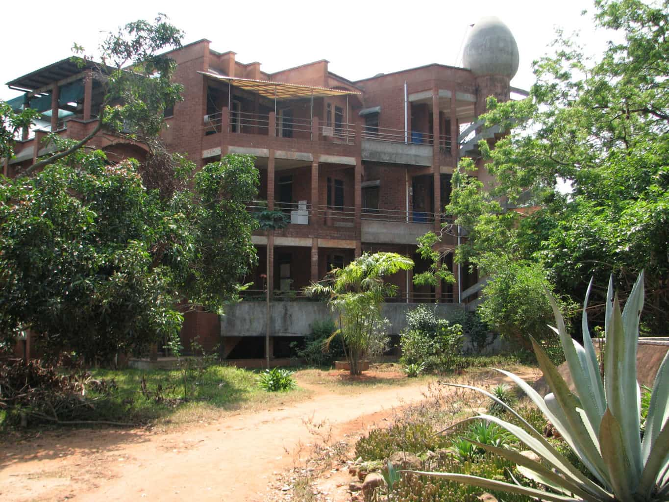 Stabilized Compressed Earth Blocks : Auroville a universal city in the making south india