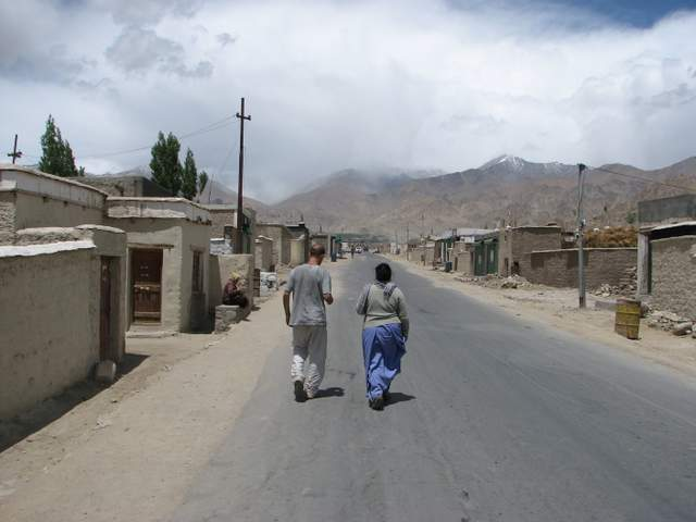 Dr. Cary and Sidol walking through Tibetan refugee camp in Ladakh