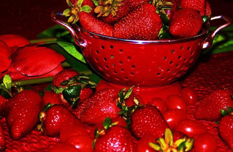Strawberries - Raw food dessert excerpts