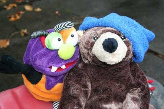 Bear and monster sit as friends - The Mindful Monster fiction