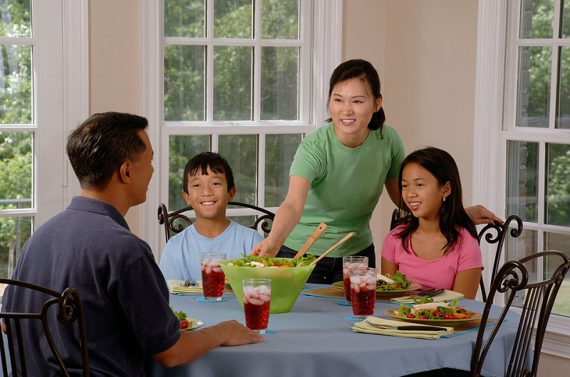 family eating - mindful eating reflects the stories of our lives
