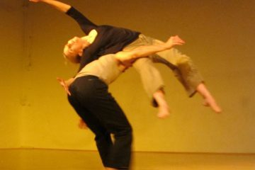 Contact improv dance