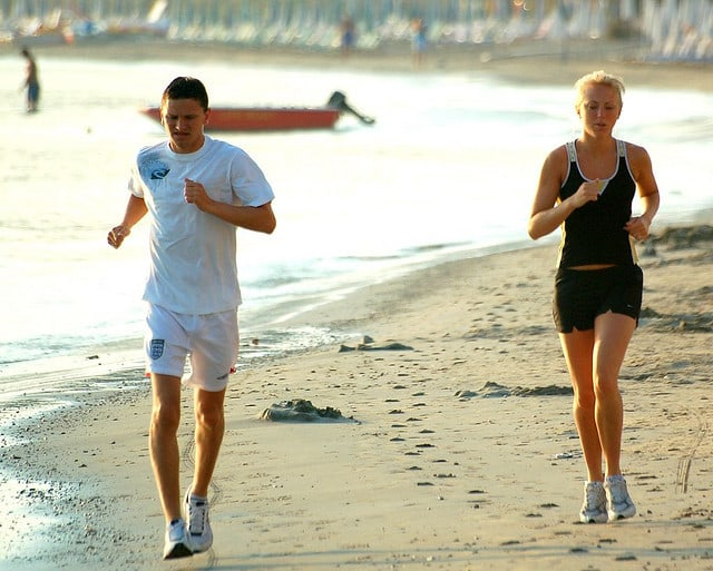 Exercise is enough to relieve stress and anxiety - Two joggers
