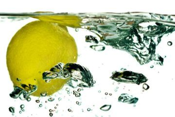 GREEN CLEAN YOUR HOME: Natural alternatives to harsh chemical products. Lemon - green cleaning, natural alternatives