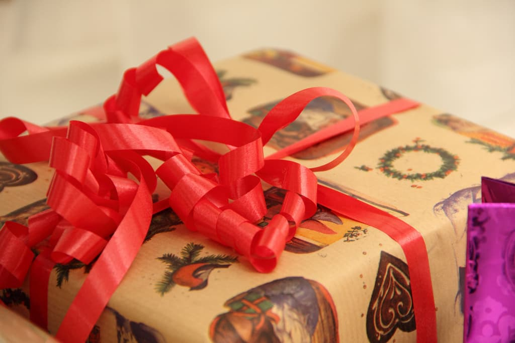 Christmas_Commercial_Present