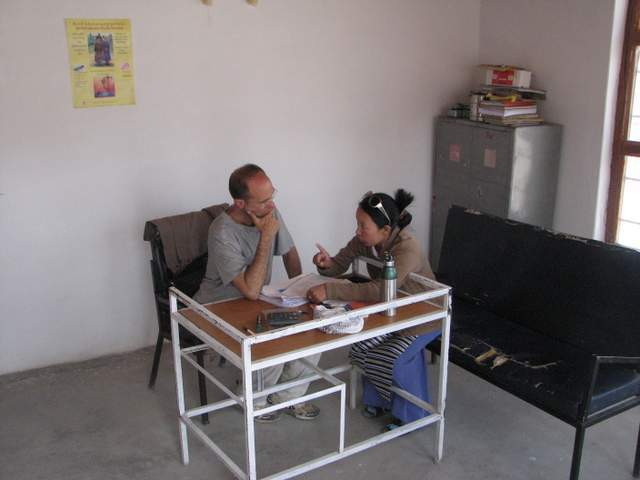 Dr Cary and Sidol talking in clinic