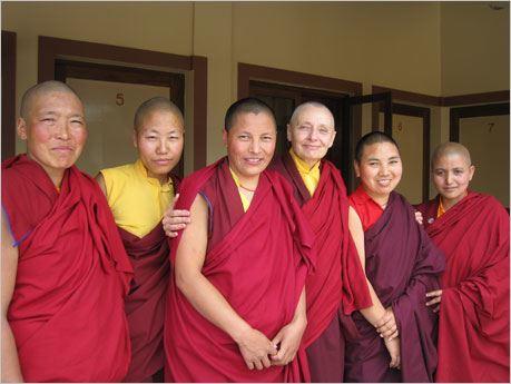 Jetsunma Tenzin Palmo with nuns