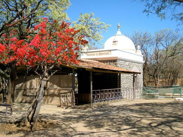Meher Baba's shrine - Long-ago riverboat days