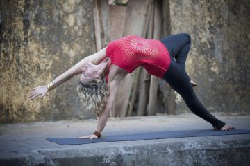 Kundalini yoga pose - Healing through bodywork