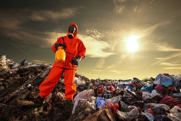 Plastic bags - Recycling worker