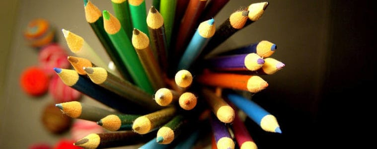 Coloured pencils with curved effect - Mindfulness and the art of drawing
