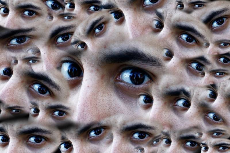 Moving face creating many pairs of eyes - EMDR