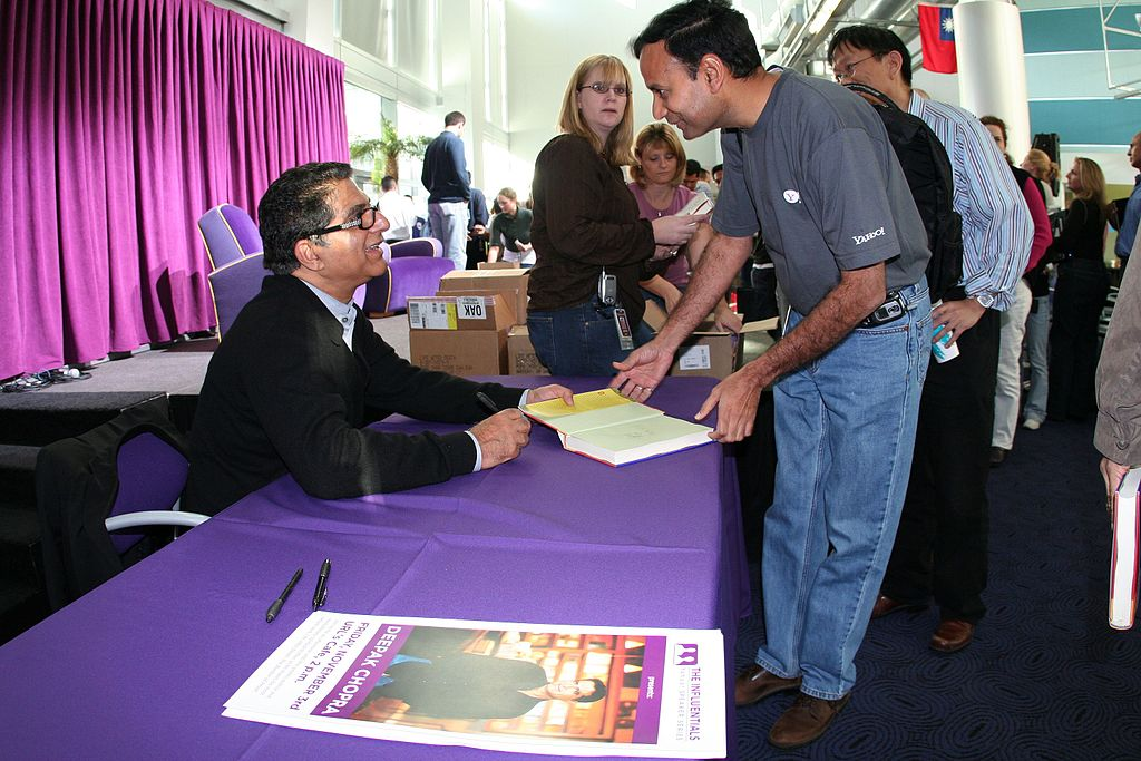 Deepak Chopra signing books - I'm a soul and I'm perfect