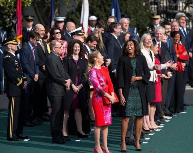 Sophie Gregoire-Trudeau and Michelle Obama laugh together as other politicians stand by - Love and the world