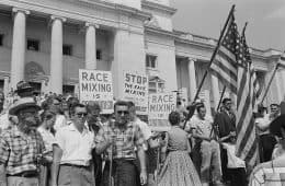Protesting black/white educational integration in United States - I will not fear