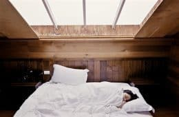 Woman sleeping in bed - Dreams that can save your life