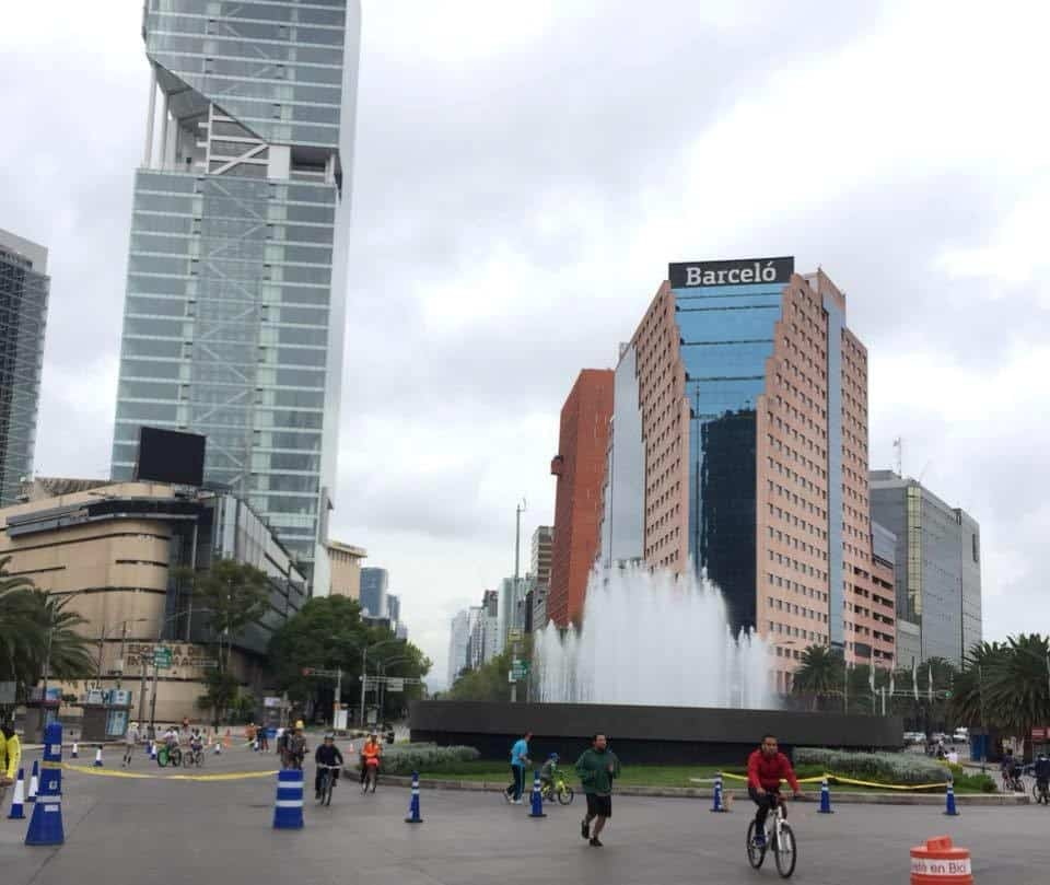Traffic circle in financial hub of Mexico City - Further adventures in Mexico City