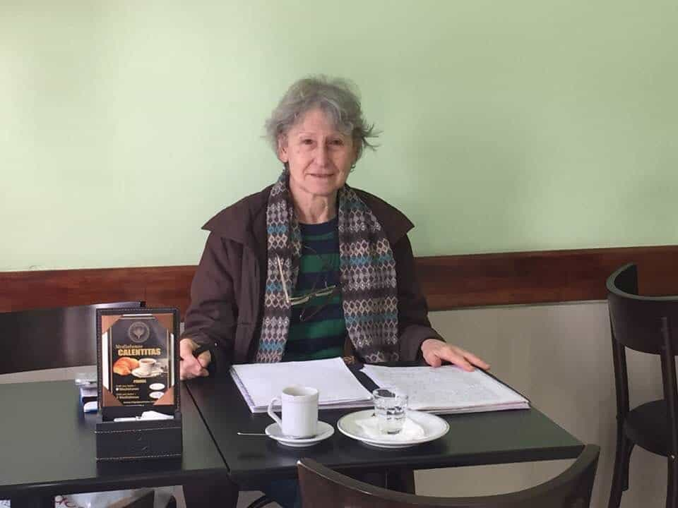 Astrologer at Cuntis Cafe - An American in Argentina