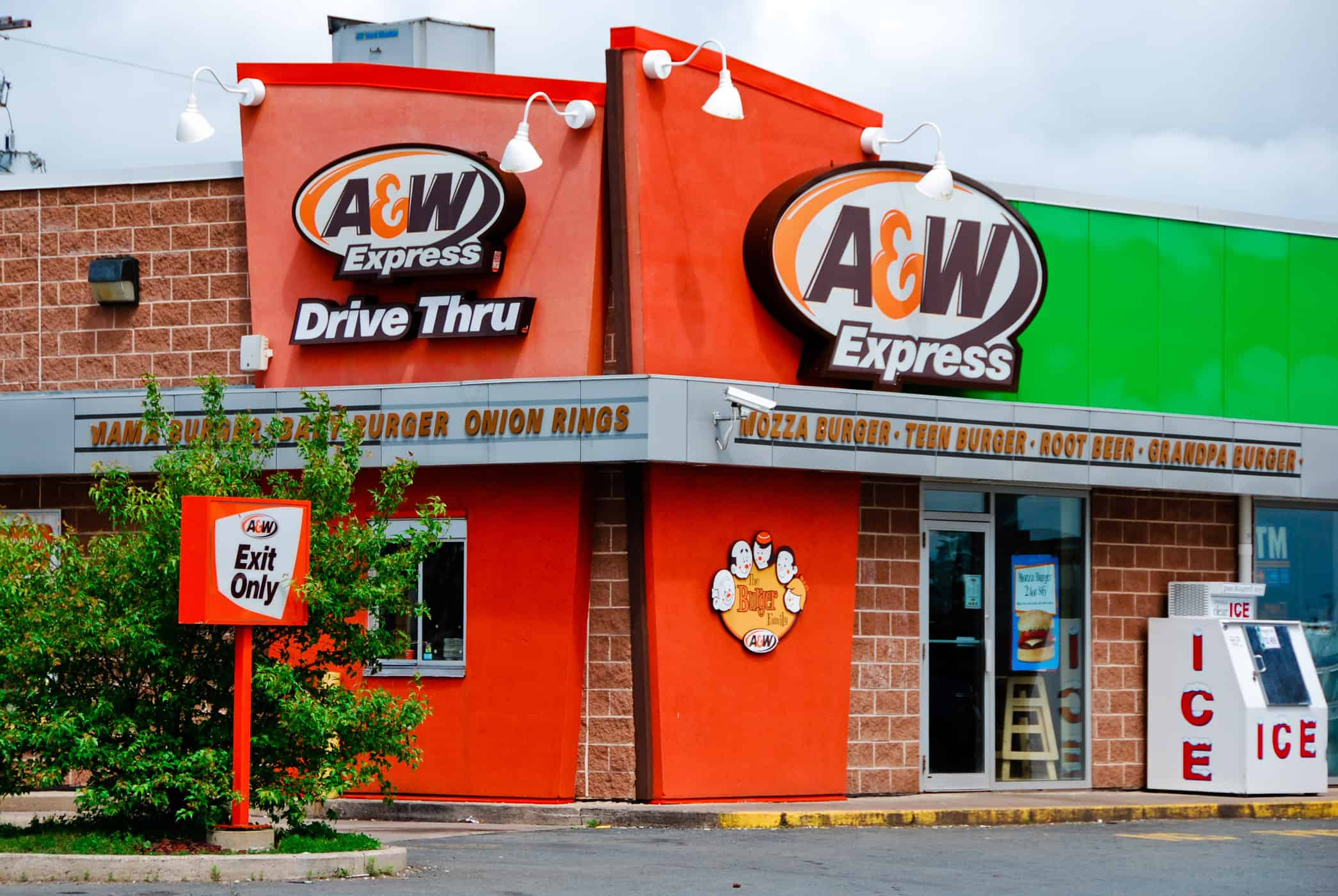A&W drive thru - Making Fat