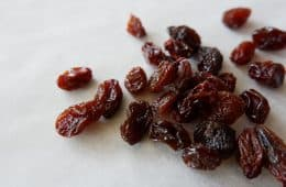Group of red raisins - The 5 things technique